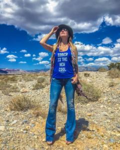 Carly_against_sky_full
